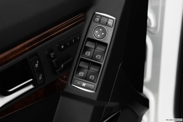 Trang bị tiện nghi Mercedes-Benz GLK-Class 2014 3