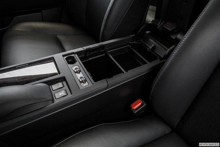 Khoang hành lý Lexus RX 350 2015 2