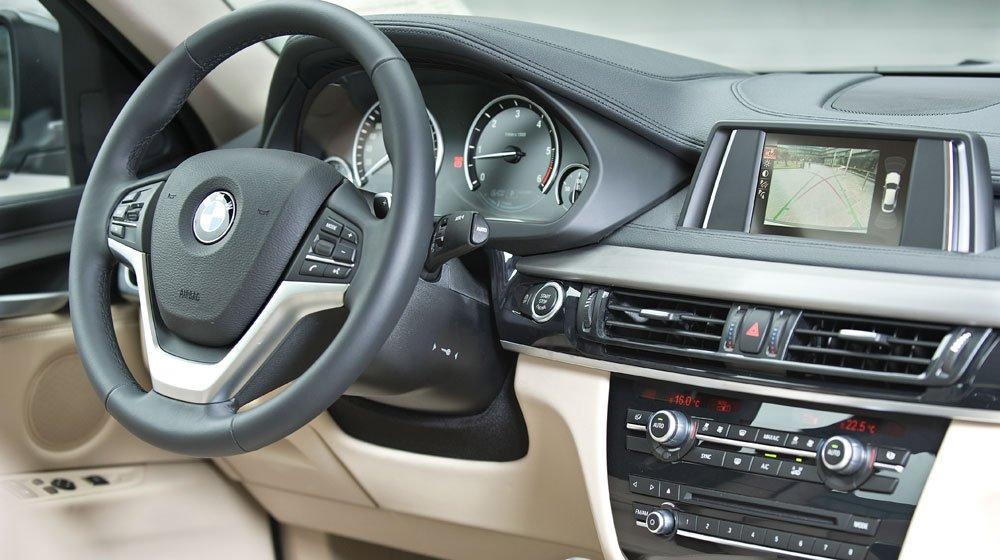 BMW X6 2015 được trang bị đầy đủ tiện nghi cho cảm giác thoải mái 1