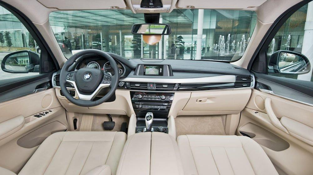 Nội thất của BMW X6 hướng hoàn toàn tới người dùng 1