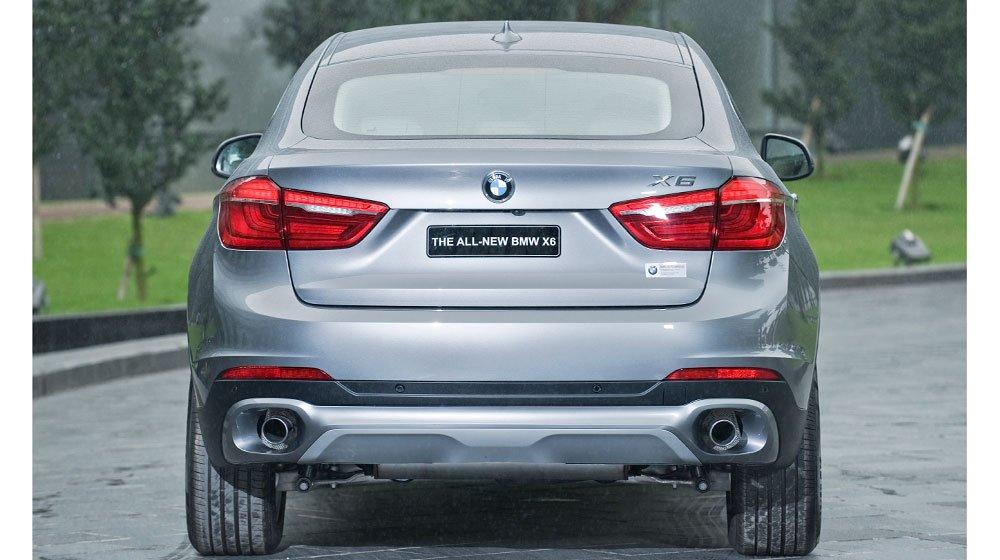 Đuôi xe BMW X6 2015 có nhiều điểm khác biệt so với thế hệ cũ 1
