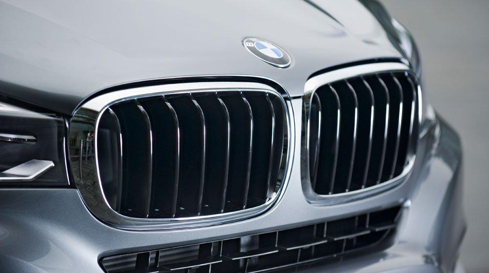 Lưới tản nhiệt hình quả thận đặc trưng của BMW X6 2015 1