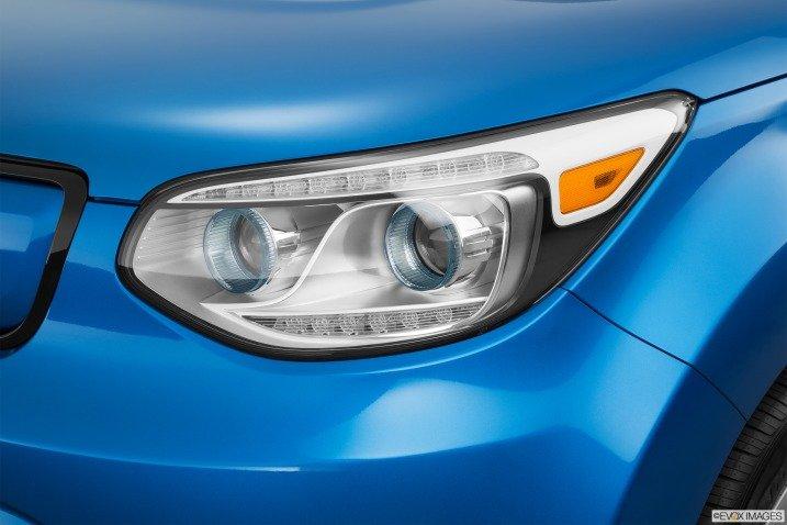 Đầu xe Kia Soul EV 2015 3