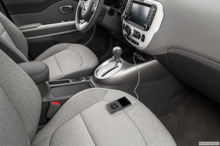Soul EV 2015 được trang bị nhiều tiện nghi hàng đầu 1