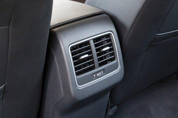 Hệ thống điều hòa của Volkswagen Passat Sedan 2015 1