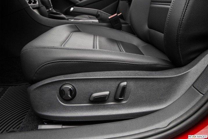 Ghế ngồi của Volkswagen Passat Sedan 2015 a1
