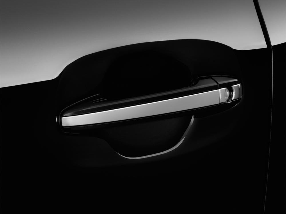 Đánh giá thân xe Toyota Sienna 2015
