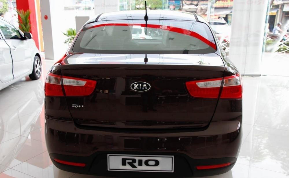 Đánh giá đuôi xe Kia Rio sedan 2014