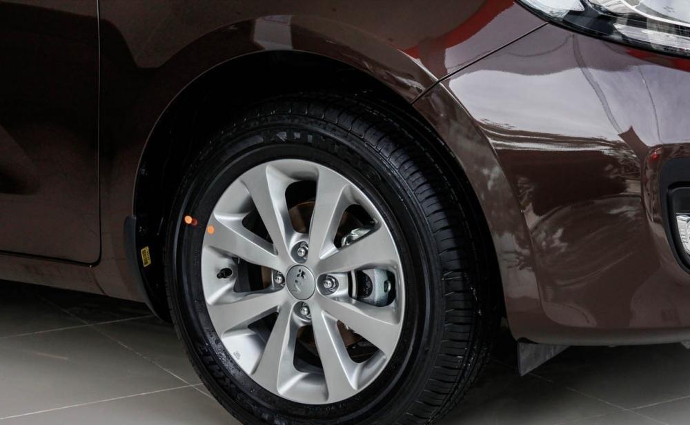 Đánh giá thân xe Kia Rio sedan 2014