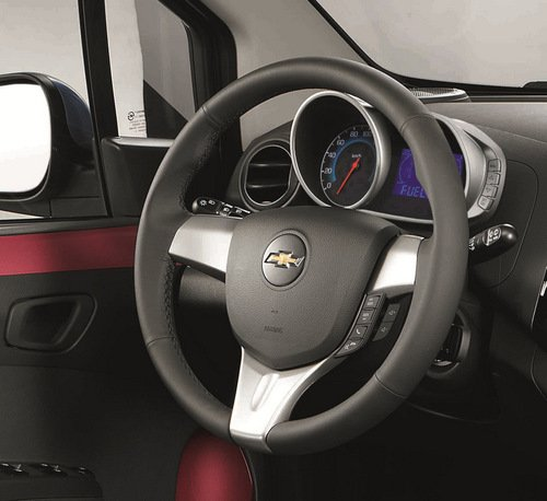 Đánh giá nội thất Chevrolet Spark Zest 2014