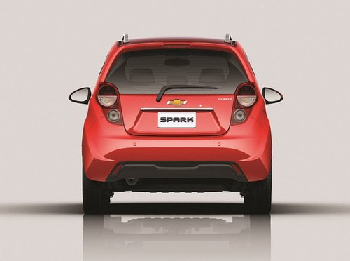 Đánh giá đuôi xe Chevrolet Spark Zest 2014