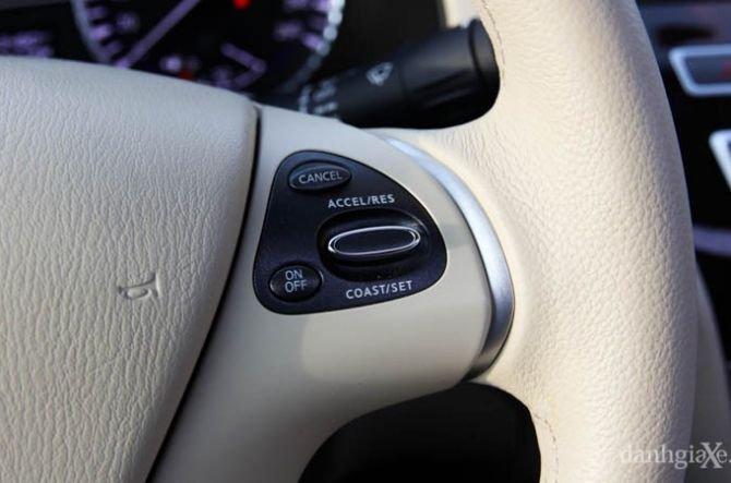 Phím điều khiển hành trình và giới hạn tốc độ 1