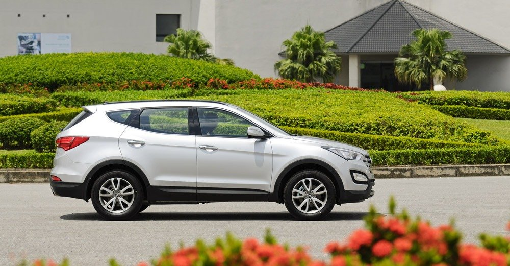 Đánh giá thân xe Hyundai Santa Fe 2014