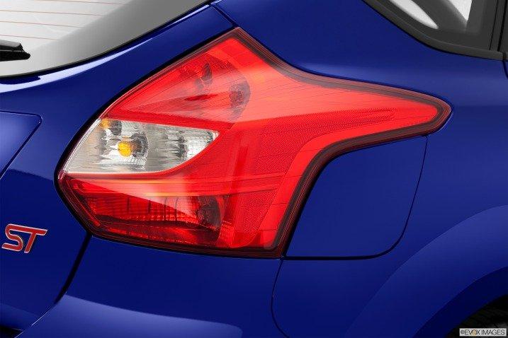 Đánh giá đuôi xe Ford Focus ST 2014