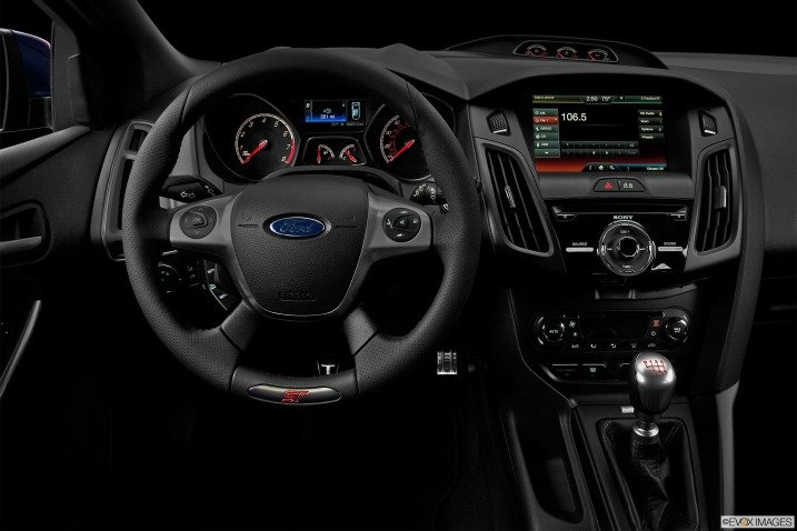 Đánh giá nội thất Ford Focus ST 2014