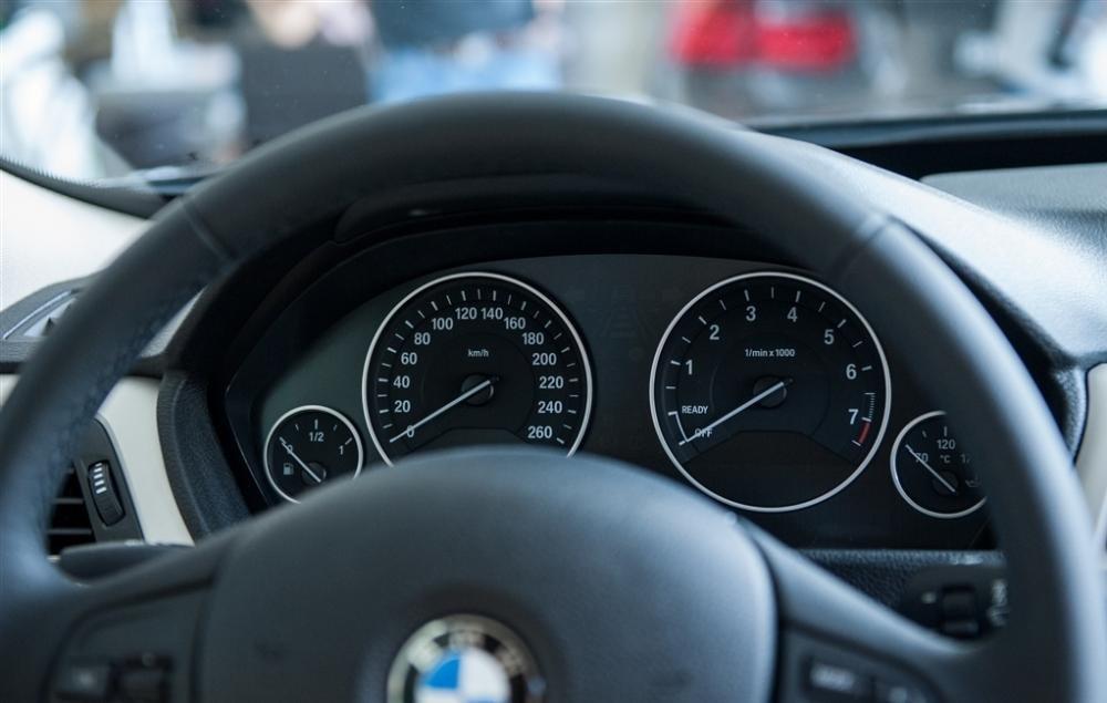 Đánh giá tiện nghi BMW 320i GT