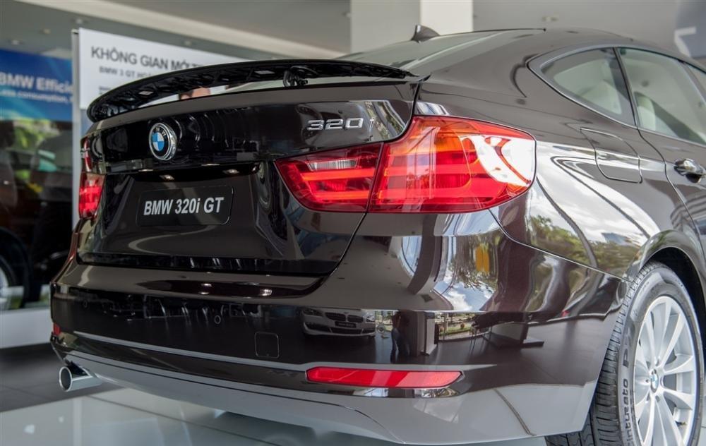 Đánh giá đuôi xe BMW 320i GT
