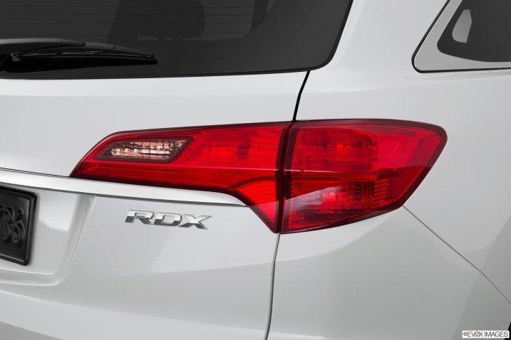 Đánh giá đuôi xe Acura RDX 2015