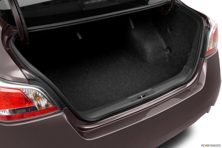 Đánh giá không gian để hành lý Nissan Altima 2014