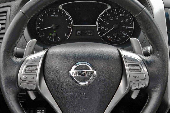 Đánh giá nội thất xe Nissan Altima 2014