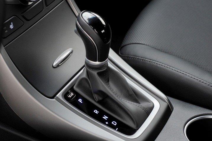 Đánh giá nội thất xe Hyundai Elantra 2014