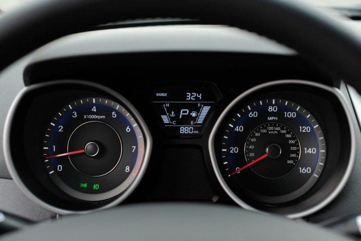 Đánh giá xe Hyundai Elantra 2014