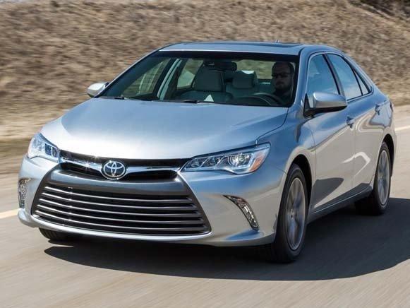 So sánh xe Toyota Camry 2015 và Mazda6 có thể thấy rõ phong cách mạnh mẽ, năng động và trẻ trung, cá tính a