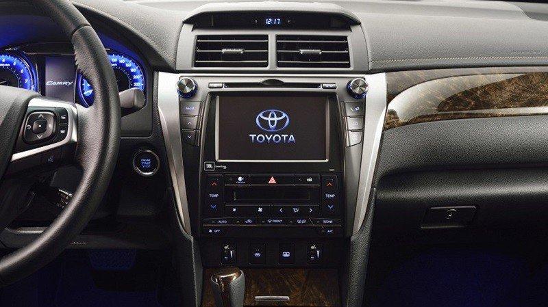 Trang bị tiện nghi của Toyota Camry 2015.