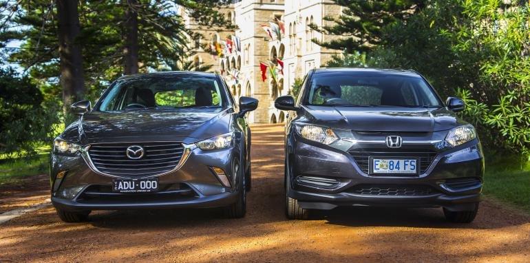 So sánh đầu xe Honda HR-V và Mazda CX3 .