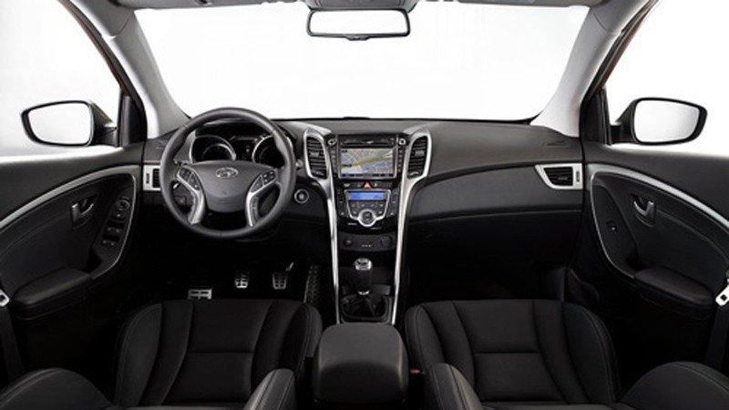 Nội thất của Hyundai i30 được làm mới và trau truốt từng chi tiết.