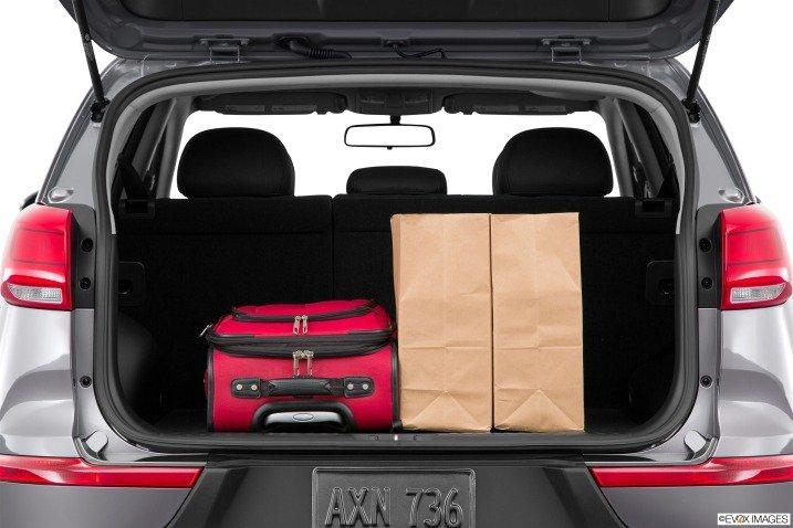 Đánh giá khoang hành lý xe Kia Sportage 2015