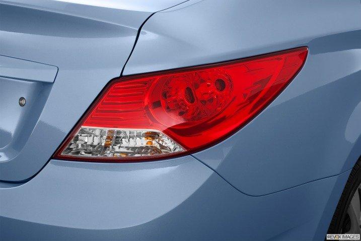 Đánh giá đuôi xe Hyundai Accent 2014