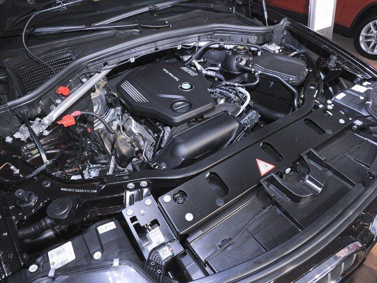 Động cơ của BMW X3.