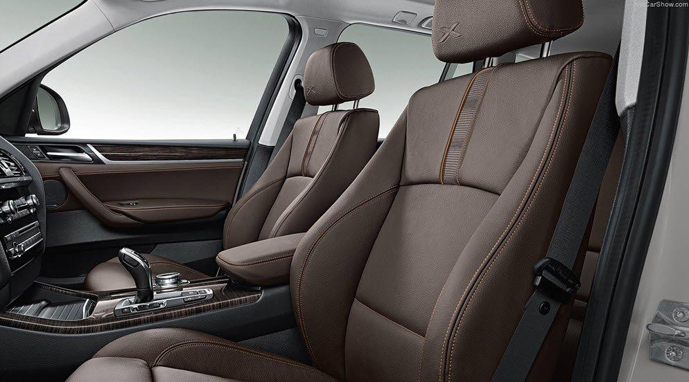 Hàng ghế trước của BMW X3.