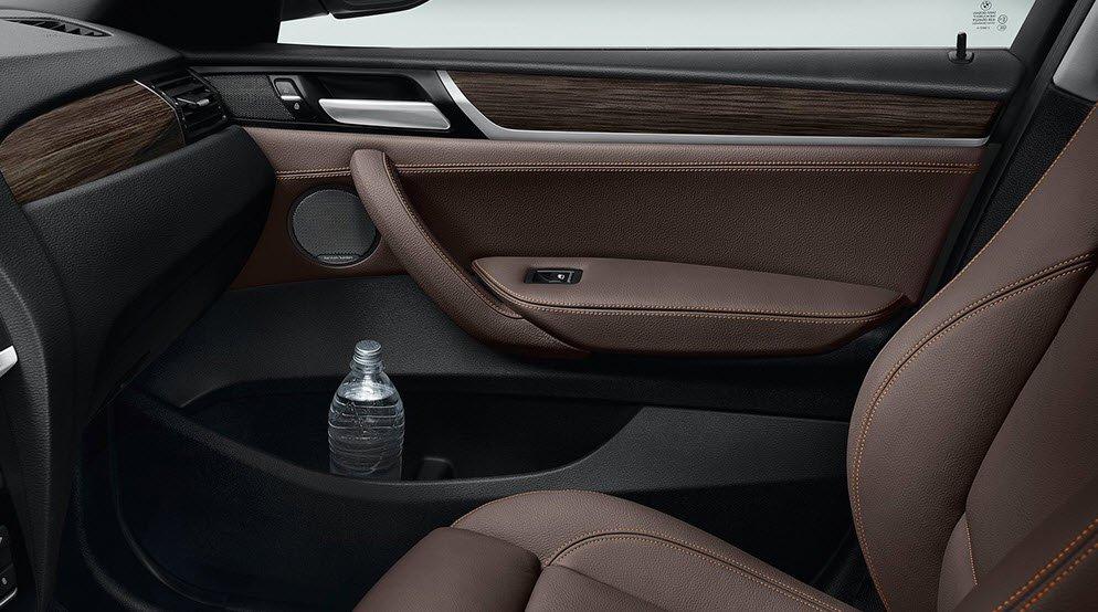 Hộc chứa đồ tiện dụng của BMW X3.