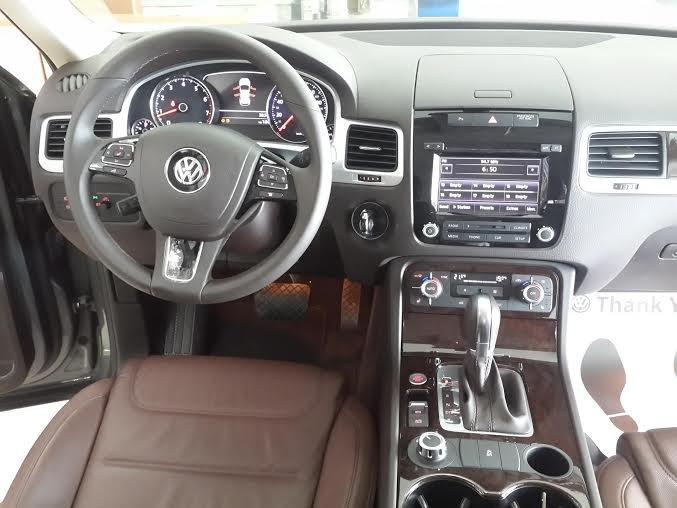 Xe Volkswagen Touareg 2015 2015-6