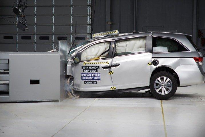 Đánh giá an toàn xe Honda Odyssey 2014