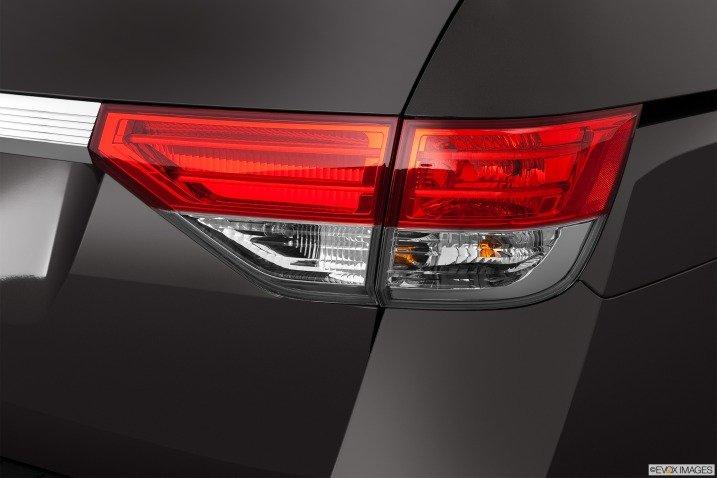 Đánh giá đuôi xe Honda Odyssey 2014