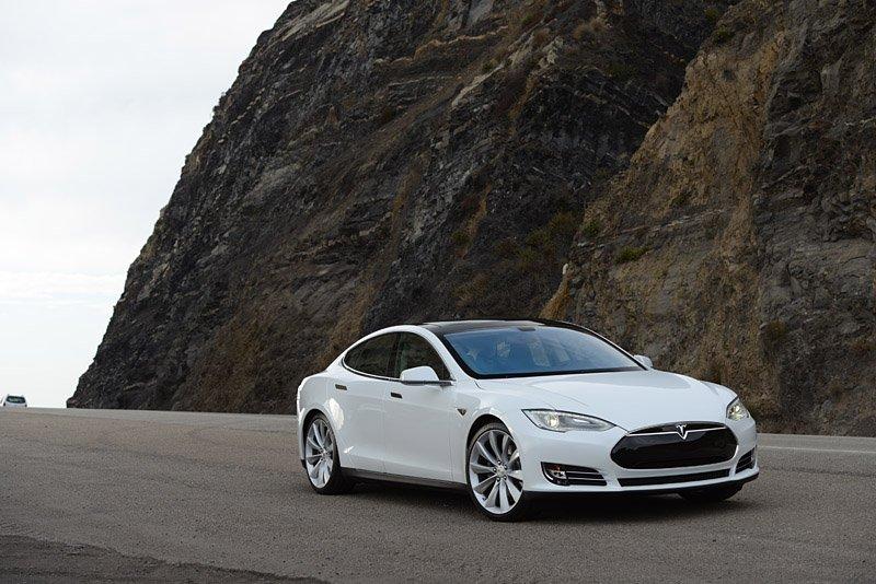 Tesla Model S sẽ phá kỉ lục doanh số xe điện trong năm nay?