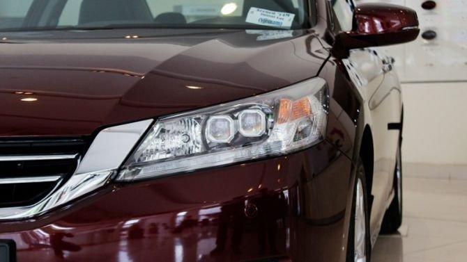 Cụm đèn pha của Honda Accord.