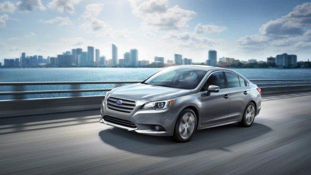 Đầu xe Subaru Legacy được thiết kế với phong cách sang trọng, lịch lãm.
