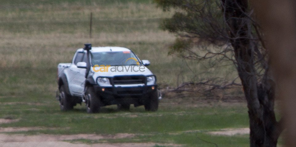 Ford Ranger Raptor và Ranger FX4 lộ ảnh chạy thử