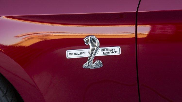 Xế độ Shelby Super Snake 2015 tái xuất với động cơ mạnh mẽ