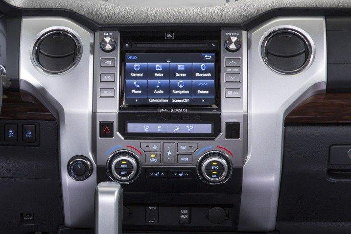 Đánh giá tiện nghi xe Toyota Tundra 2014