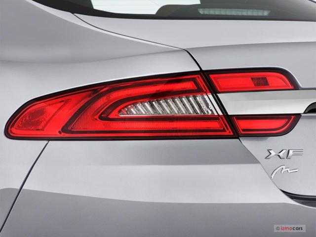 Đánh giá đuôi xe Jaguar XF 2015