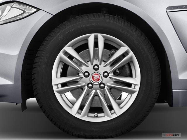 Đánh giá thân xe Jaguar XF 2015