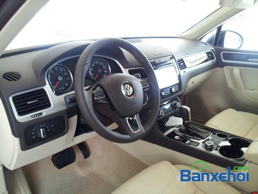 Bán xe Volkswagen Touareg đời 2014, nhập khẩu, giá 2 tỷ 698Tr-5