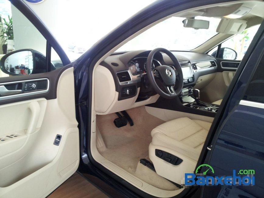 Bán xe Volkswagen Touareg đời 2014, nhập khẩu, giá 2 tỷ 698Tr-3