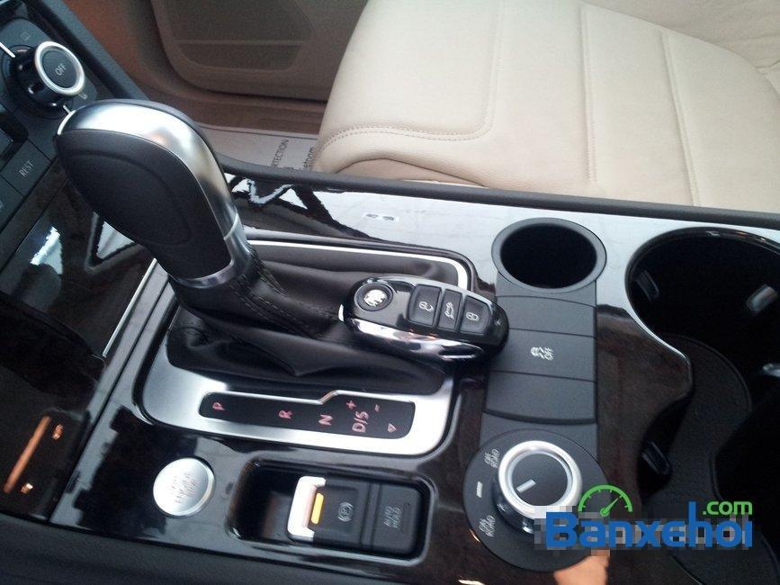 Bán xe Volkswagen Touareg đời 2014, nhập khẩu, giá 2 tỷ 698Tr-15