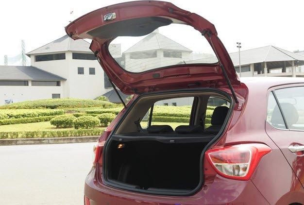 Khoang hành lý của Hyundai Grand i10.